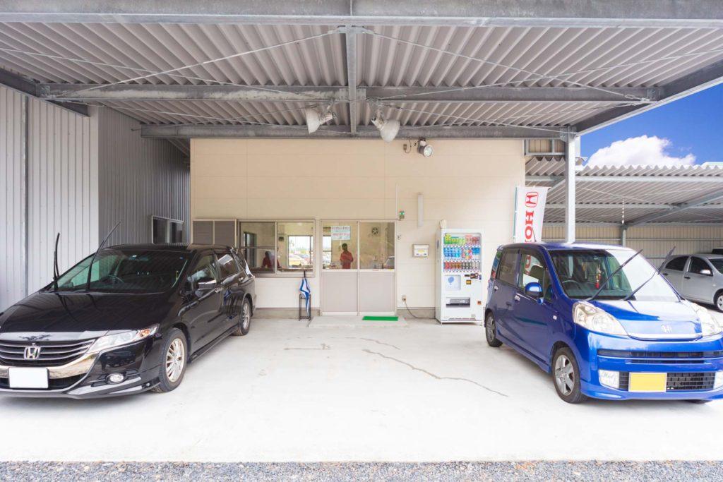 ホンダレンタカー 奄美空港横にある営業所の正面写真